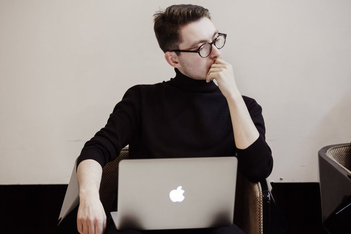 Лекция Максима Мирошниченко «COVID-19, аутоиммунность ицифровой постапокалипсис: медиа как соучастники пандемии»
