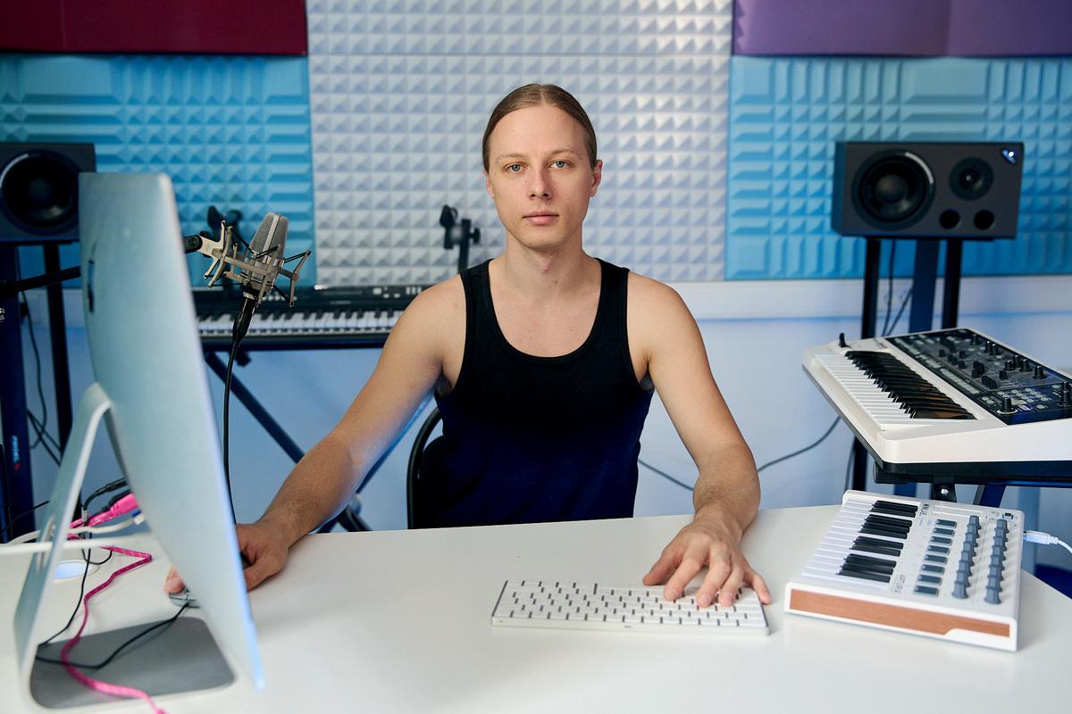 Антон Рукавишников